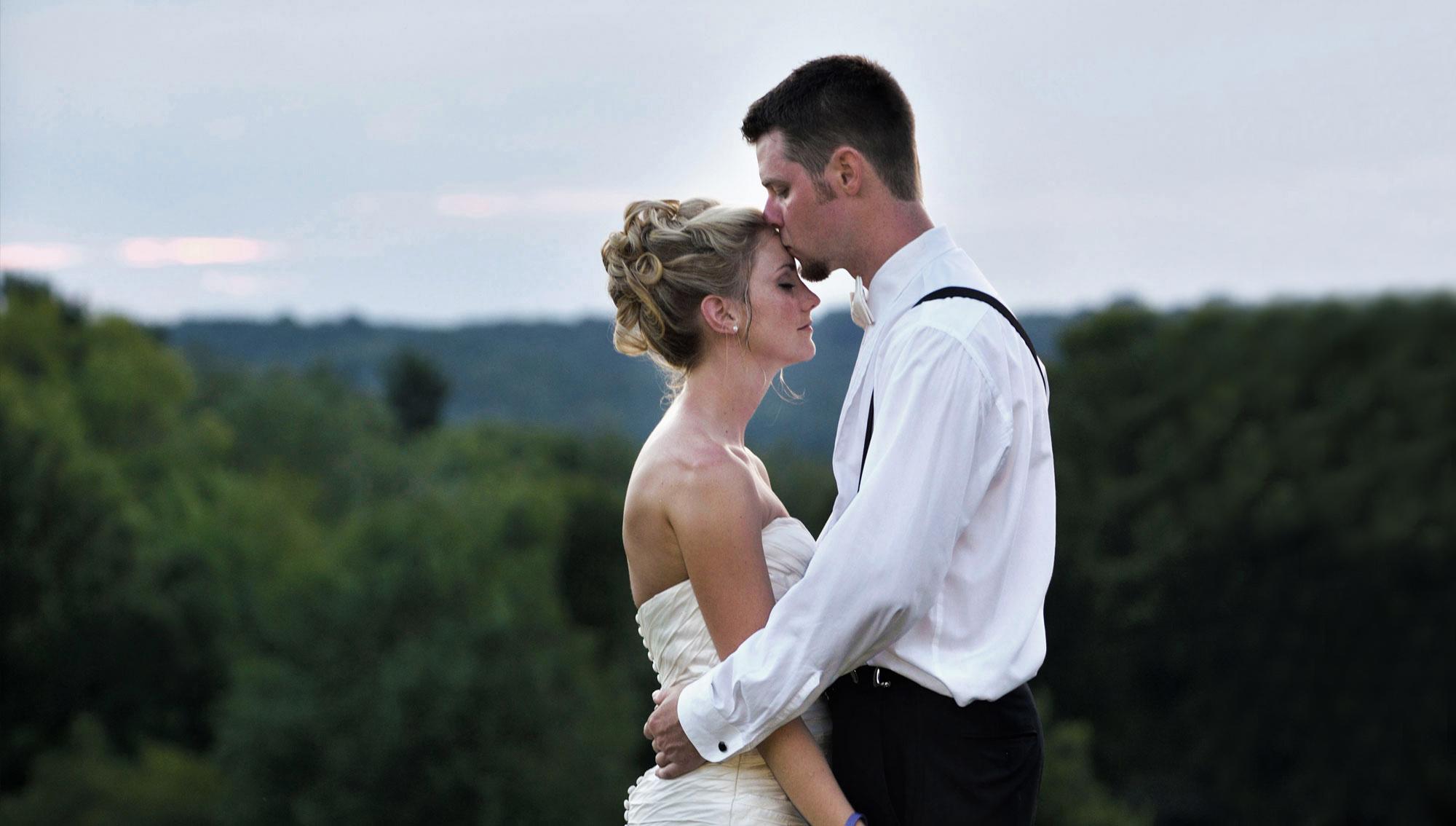 professional wedding photos akron ohio