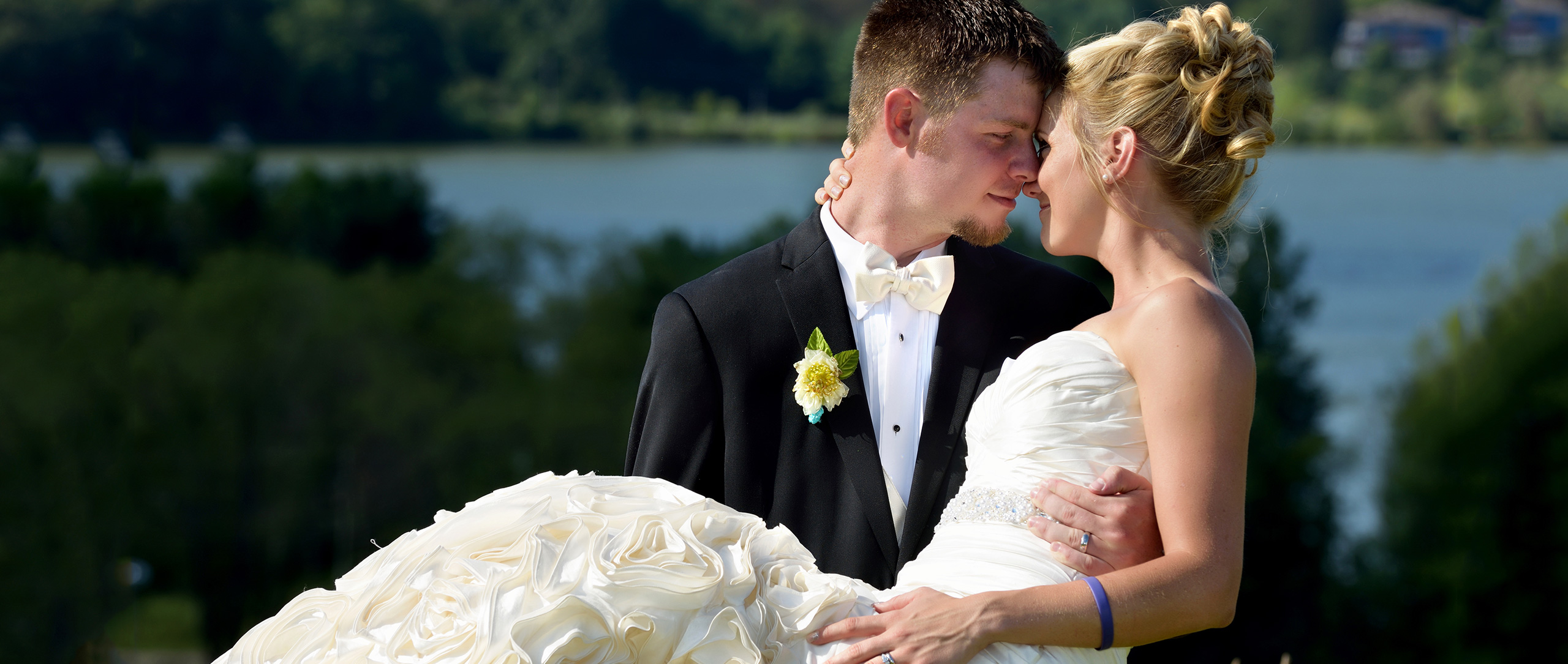 wedding photography in akron ohio
