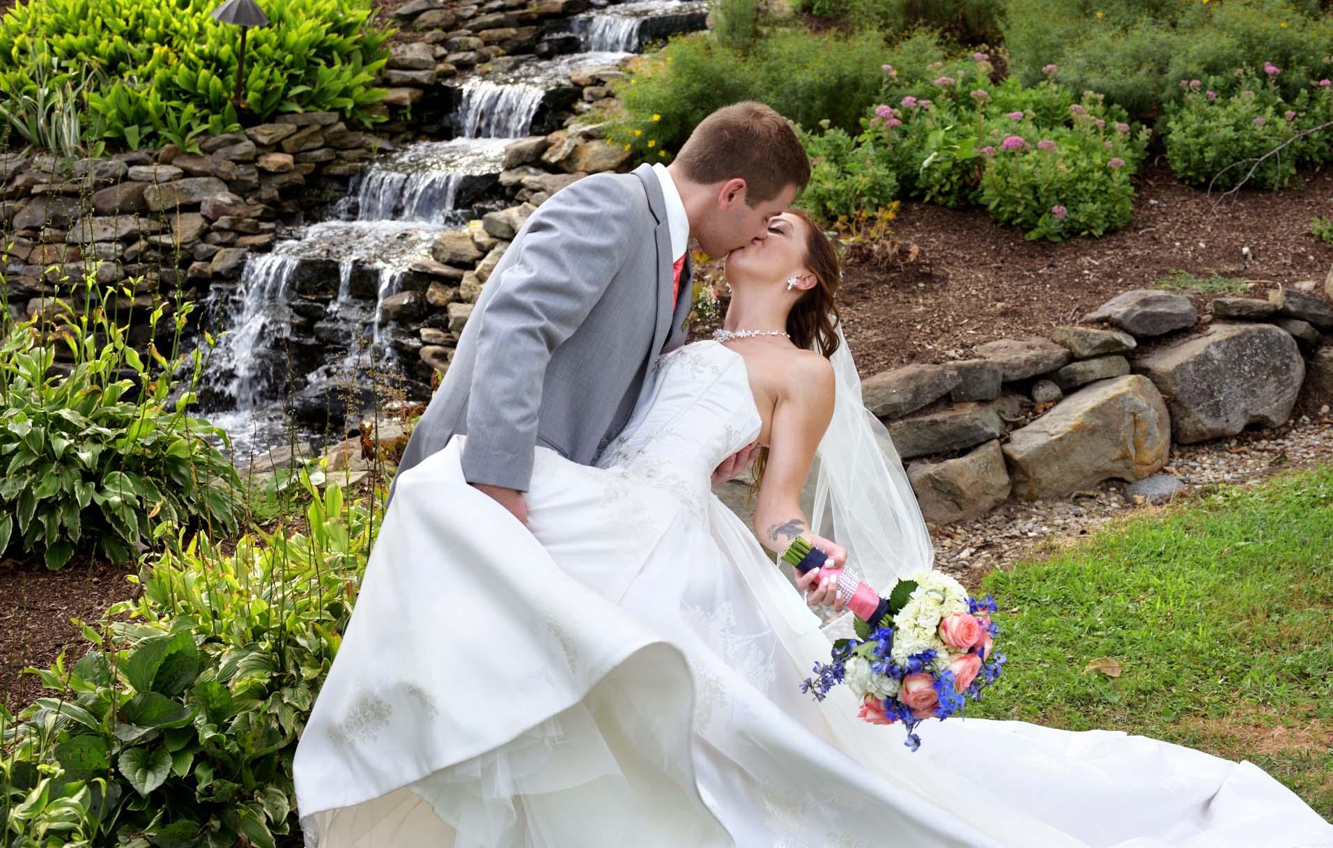 wedding photos parker farm copley ohio